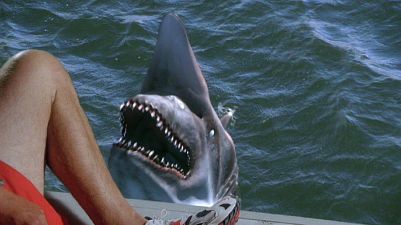 Após o tsunami... vêm os tubarões! - Filmes Band